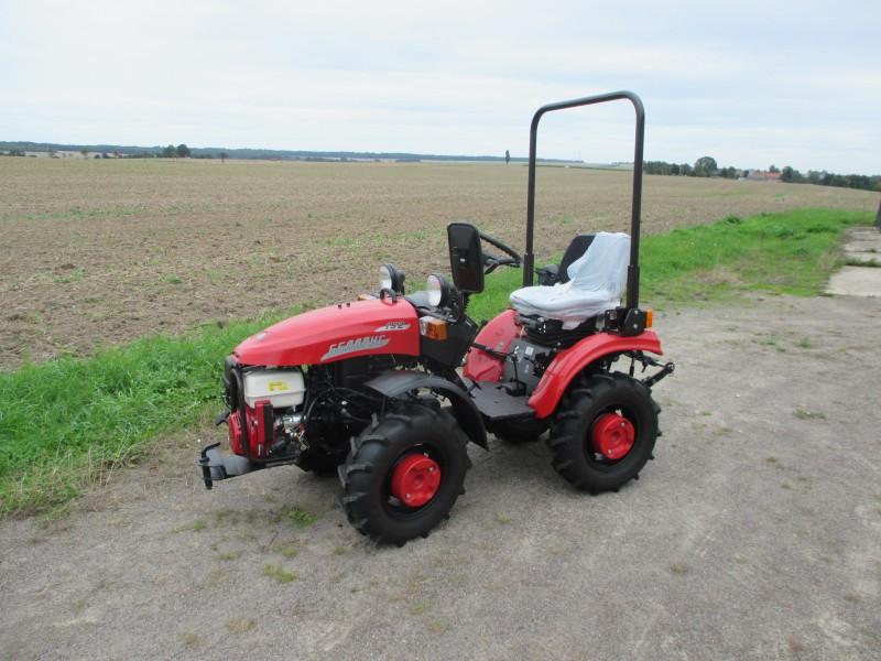 Ganz und zu Extrem Belarus Traktoren - BELIMPEX Handels GmbH @NB_03